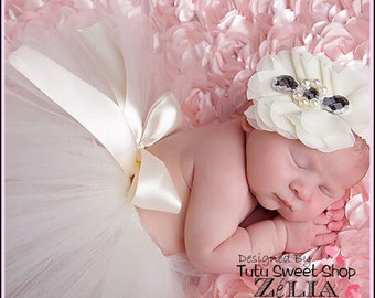 Tutu in white tulle with headband for baby photography