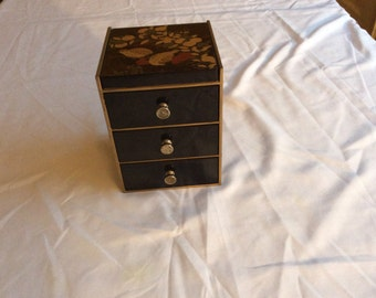 Vintage Hand Painted Jewelry Box With Mirror by Otagirl