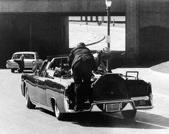 Clint Hill Climbs Atop President John F. Kennedy's Limousine On November 22, 1963 In Dallas - 5X7, 8X10 or 11X14 Photo (ZZ-084)
