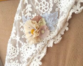 Cream x Blue anemone brooch/hair clip
