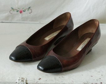 Brown leather classic pumps | brown & black toe heels | Brown leather skimmers | Size 7.5