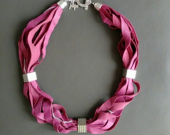 Leather stripes necklace