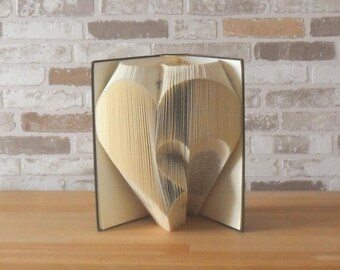 folded paper - heart to heart / / Visual Arts / / Bookfolding / / book type / / wedding / / Valentine's day / / love