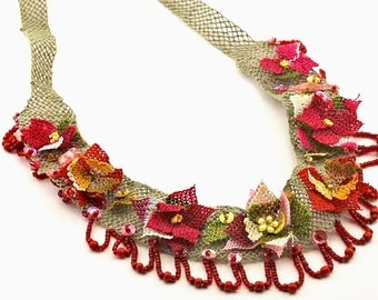 Turkish Lace (Oya) Necklace with Leaves