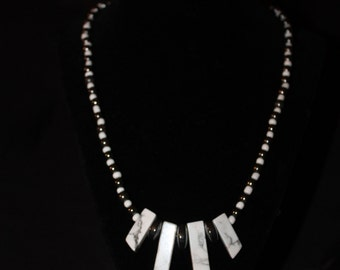 White and black stones necklace