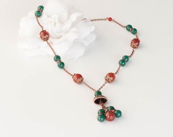 Long necklace of carnelian and jade