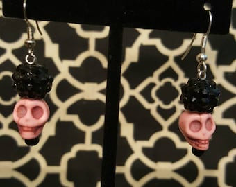 Black beaded Pink skull drop earrings. Silver accent. Day of the Dead, DOTD, dia de los muertos, gothic
