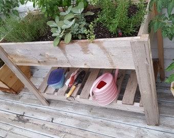 Rsised garden planter