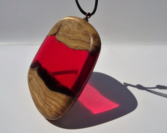 resin, red, olive, necklace, craftsman, wood pendant