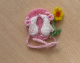 Mouse brooch,Mouse Jewellery,Needle felt mouse
