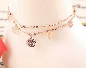 Pretty gold anklet