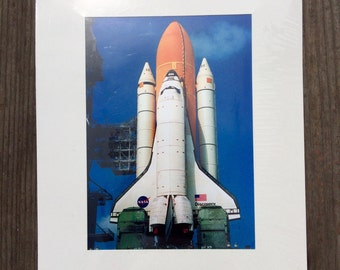 """Nasa - Discovery Space Shuttle 5""""x7"""" matted print."""
