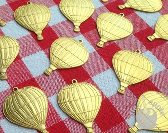 FREE P&P Large 35mm Superior Quality Raw Brass Vintage Hot Air Balloon Charm