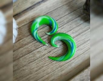Flesh tunnel, 10 mm, worm, spiral, Floureszierend, hippie, Goa, jewelry, green, blue