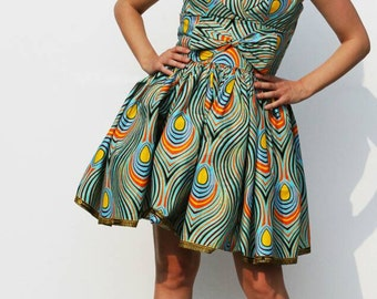 Colorful and feminine over-the-knee dress
