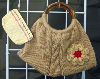 Knitted Tote with Pouch 11