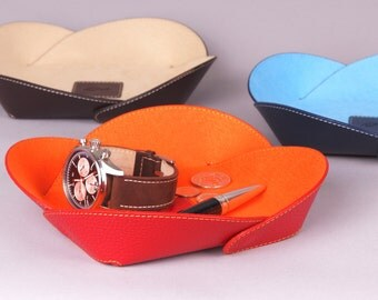 Set of 3 Leather Catchall - Gift idea - Design Leather Trays - Genuine Leather and microfiber tissue - Colors : RED / BLUE / BROWN