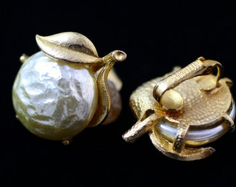 Vintage Sarah Coventry Signed Pearl Bloom Clip-On Earrings, Pearl Flower Blossom Earrings, Baroque Pearl & Goldtone Earrings, 1965