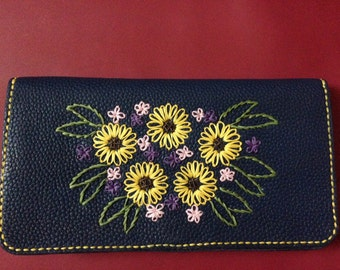 Purse, embroidered with flower