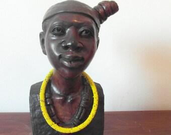 Halskette aus Massai-Perlen in gelb