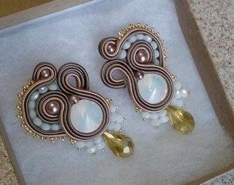 Rivoli white opal Stud Earrings