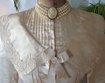 Victorian Ivory Silk Wedding Gown, Antique Dress, antique Gown, Bridal Dress, ca. 1896