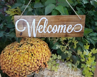 Rustic Reclaimed Pallet Welcome Sign