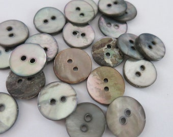 20 Shell Buttons Brown 14mm 2 Hole A42