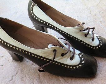 Vintage 1960's Spectator Leather Oxford Women's Shoes Albert Durelle  Made in Spain Size 9