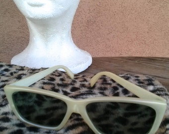 Vintage 1960s Sunglasses Sunnies White Mod 60s Cool Ray Polaroid 2016354
