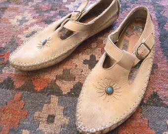 Vintage Tan BOHO Jeweled Moccasins Flats Shoes  sz 7 1/2