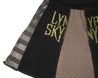 Lynyrd Skynyrd Tee Skirt Sm women Mini Skirt Support Southern Rock tshirt upcycled tshirt skirt Free Bird OOAK unique Black Gold 1970s Music