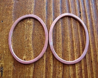 Hammered Copper Short Oval Links in Papaya Pink - 1 pair - 30mm