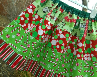 Handmade Girls CHRISTMAS skirt! Peanuts Snoopy licensed fabric! Festive and fun!! Size 3/4! Ready to mail!