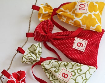 set of 25 Modern Trees Christmas Advent, fabric bag, Calendar. Count down December. 12 days of Christmas. Quatrefoil yellow gift bags.