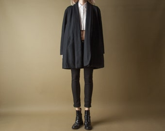 window lion black wool coat / minimalist swing coat / vtg 80s coat / m / 777o