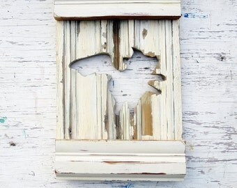 Flying Pig in Negative Space, Rustic Wall Decor, Distressed Wood Art, BBQ Restaurant Decor, Southern Folk Art, Country Decor, Wood Wall Art
