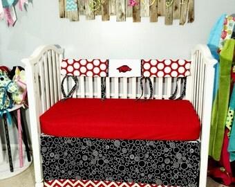 Crib Bedding Bumperless Razorbacks, nursery bedding, baby bedding, University of Arkansas, UofA, baby bumpers, fitted sheet