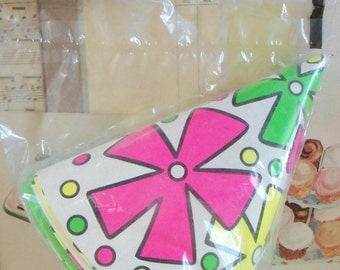 Vintage / Party Hats / Set of Eight / Retro Goodness / Mint in Package / Loot Bag / Party Favors