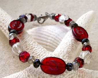 Bead Bracelet - Glass Beaded Bracelet - Glass Bracelet - Red Bracelet - Black Bracelet - Gift for Women - Glass Bead Jewelry - Gift for Mom