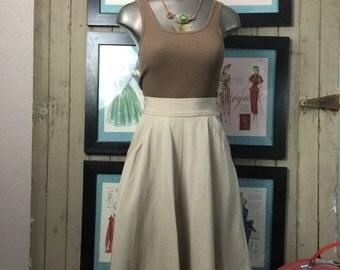Fall sale 1980s skirt Liz Claiborne skirt tan skirt full skirt skirt with pockets size small Vintage skirt beige skirt high waist skirt 26 w