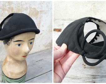 Vintage 1930/1940 French black Ottoman hat  adorned with bows at sides / bibi /Fascinator