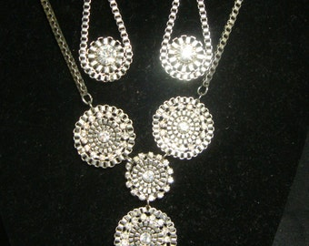Vintage Retro Silver Tone Rhinestone Drop Bib Necklace Earring Set ID 337