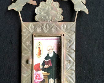 Vintage nicho/frame with angels