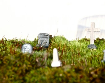 Headstone Picks // Terrarium Element