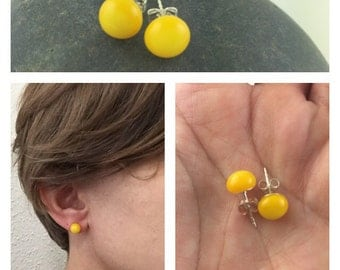 Yellow Studs / Glass Studs / Bright Studs / Stud Earrings / Summer Jewelry / Fused Glass Jewelry / Bold Earrings