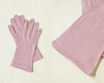 Vintage Pale Purple Gloves --- 1950s Gloves