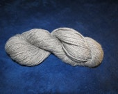 medium gray borderleicester/shetland yarn