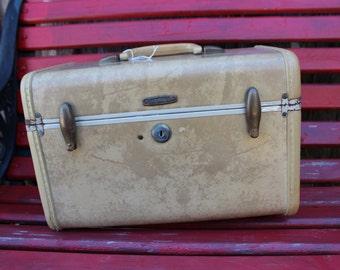 Vintage Samsonite Ivory/Off White Marbleized Train Case/Overnight Suitcase