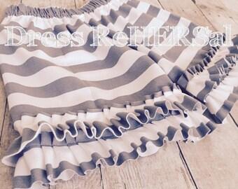 Gray and white stripe knit ruffle shorts